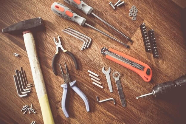 content search tools will help you narrow down your niche for guest blogging
